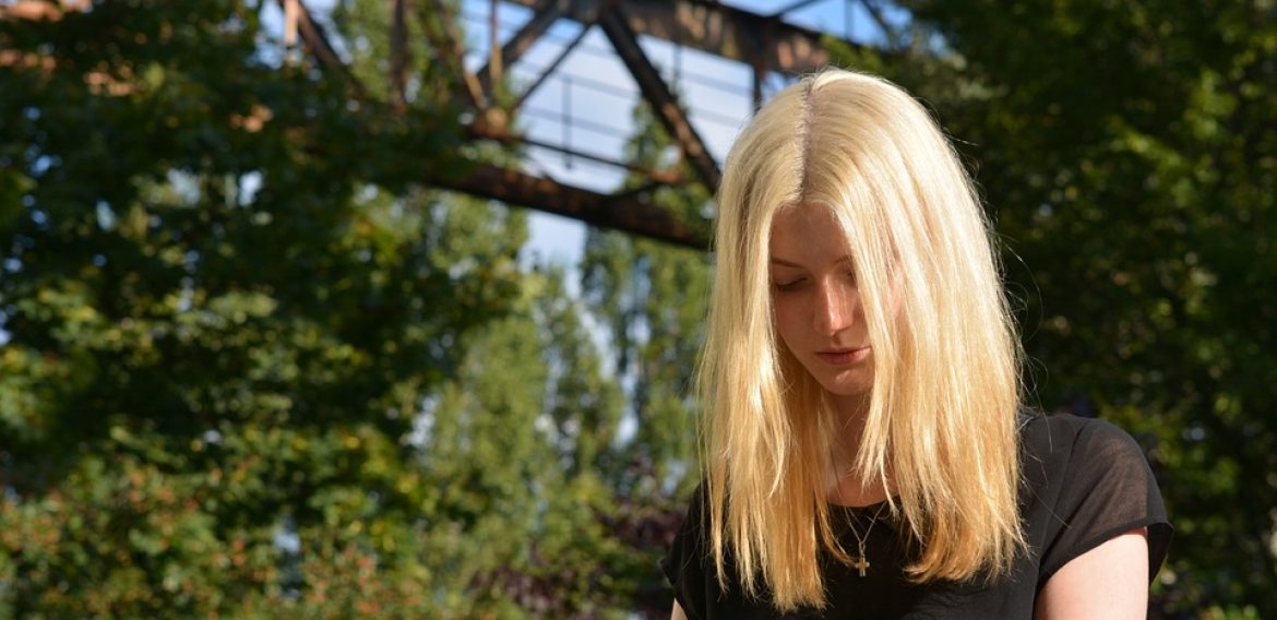Helping Teens Rise Above Shyness and Be Self-Confident